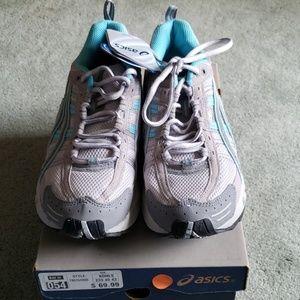 NIB Asics Sz 8 light gray/blue sneakers